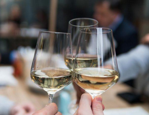 Wine-tasting-web
